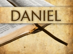 daniel-study-pic